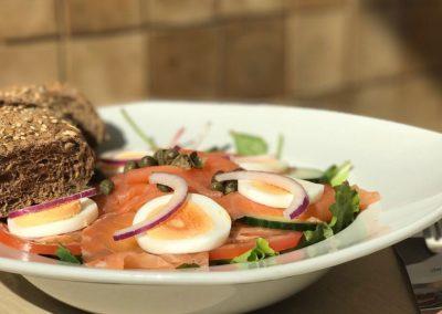 Verse salade gerookte zalm